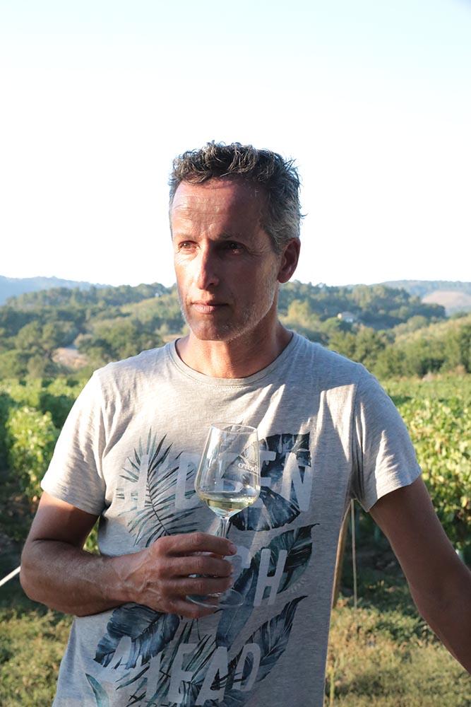 Alberto Ubeda, gerente de Adegas Valdavia, entidad elaboradora de los vinos Cuñas Davia
